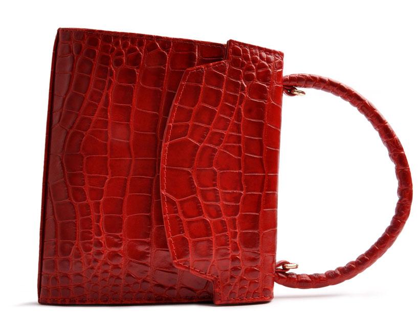 Henkeltasche Olivia  in rotem Kalbleder in Krokooptik, elegante Trachtentasche, Dirndltasche in Retrooptik, Handgearbeitet. OSTWALD Traditional Craft