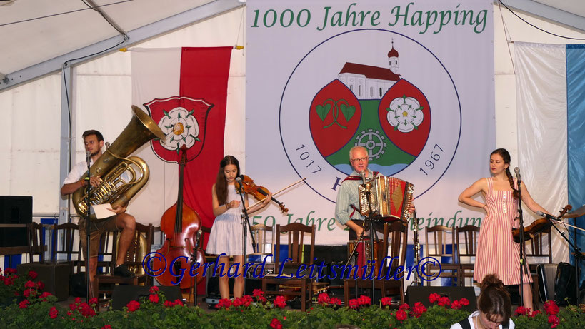 Hans Well & Wellpappn im Happinger Festzelt