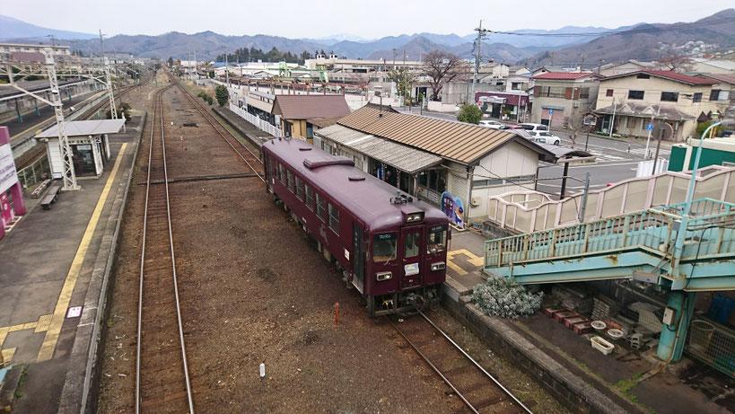 相生駅。ここで東武線から茶色いわたらせ渓谷鉄道に乗り換えて桐生へ。レトロな車両が渋いですね