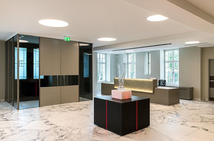 Architekturfotografie Kaisersruh Aachen-Würselen: Interieur-Ansicht Empfangsbereich, Foto: Dr. Klaus Schörner, Bauherr: Franko Neumetzler, Architekt: Studio Makarowski, Copyright 2018