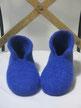 filzpantoffeln siggi rot mit zweifarbiger spitze und lasche in blau und gelb