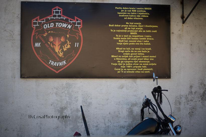 Fotografisano na zidu Biker Cluba Old Town Travnik u Travniku © www.bycosaphotography.ch