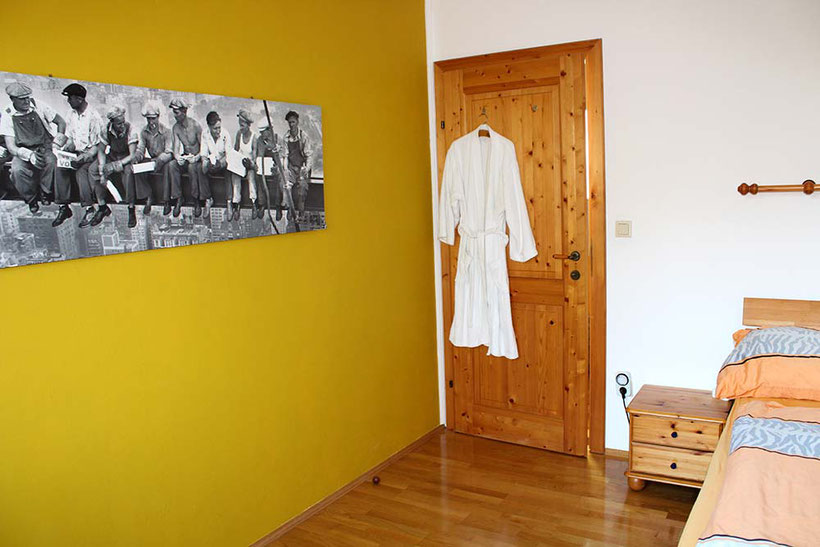 RIVERsideHOME, guesthouse with nature garden; Bruckneudorf; Near to Vienna, Bratislava and McArthurGlen Designer Outlet Parndorf; Rent a Room; TECHNIQUE