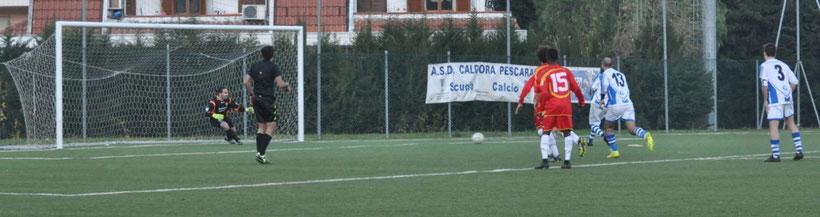 Nella foto il gol di Andrea Pieri al 45'st su calcio di rigore