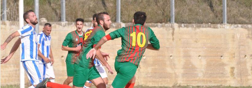 L'esultanza di Cimini (Elicese gol 2-0)