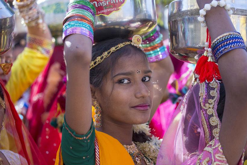 La India; mujer hindú; ser mujer ayer y hoy;