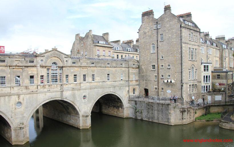 Sehenswürdigkeiten und Reisetipps Bath, England: Pulteney Bridge