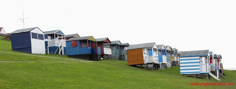 Die bestehen Sehenswürdigkeiten und Reisetipps für Whitstable: Strandhütten in Tankerton