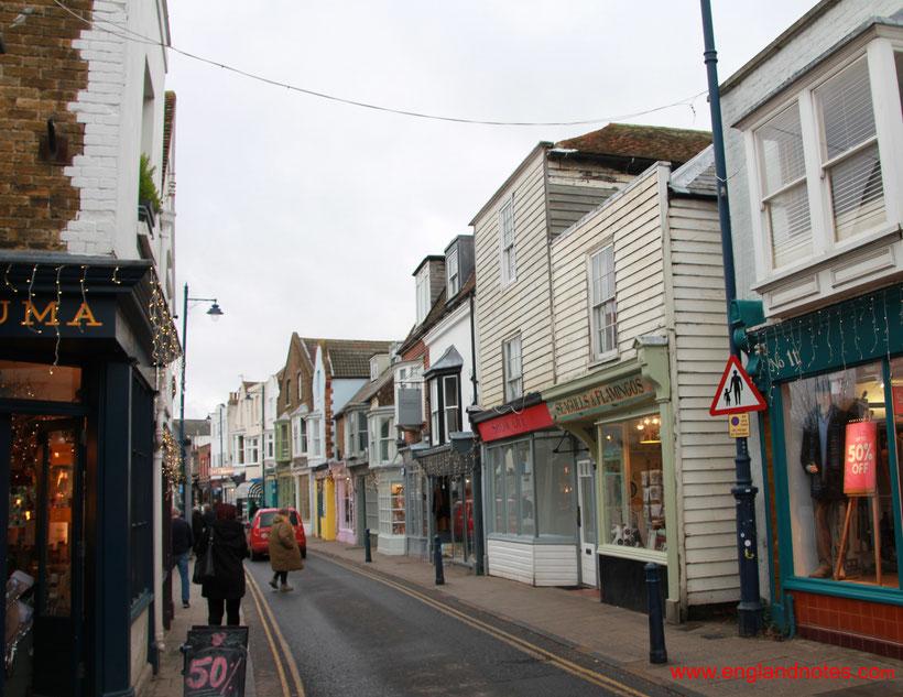 Die bestehen Sehenswürdigkeiten und Reisetipps für Whitstable: Geschäfte in der High Street