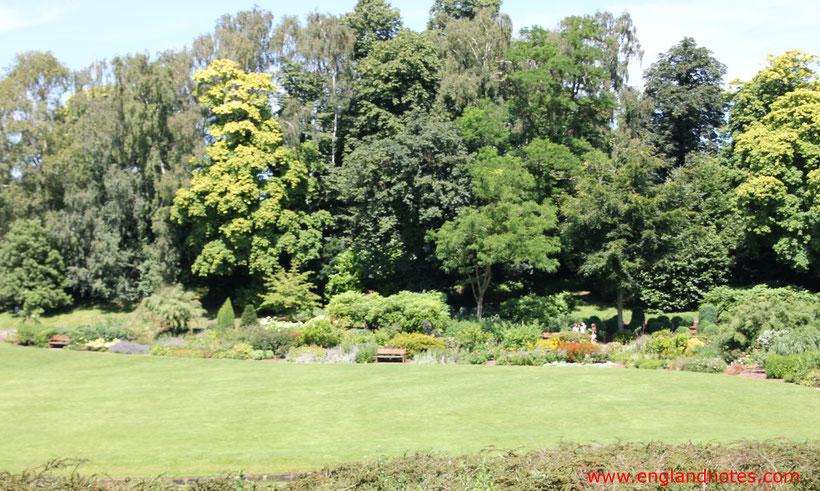 Die 10 schönsten englischen Gärten in England: Der Garten um Leeds Castle
