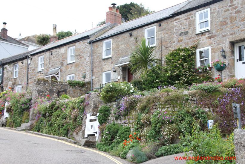 Sehenswürdigkeiten und Reisetipps für Mousehole in Cornwall: Von Fischerdorf und Tourismus