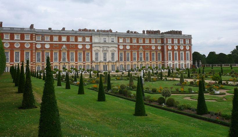 Die 10 schönsten Schlösser und Burgen in England: Hampton Court Palace, England