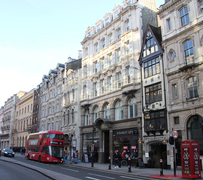 Die Fleet Street in London und die britischen Tageszeitungen. Reisetipps und Sehenswürdigkeiten, Spaziergang zur Fleet Street.