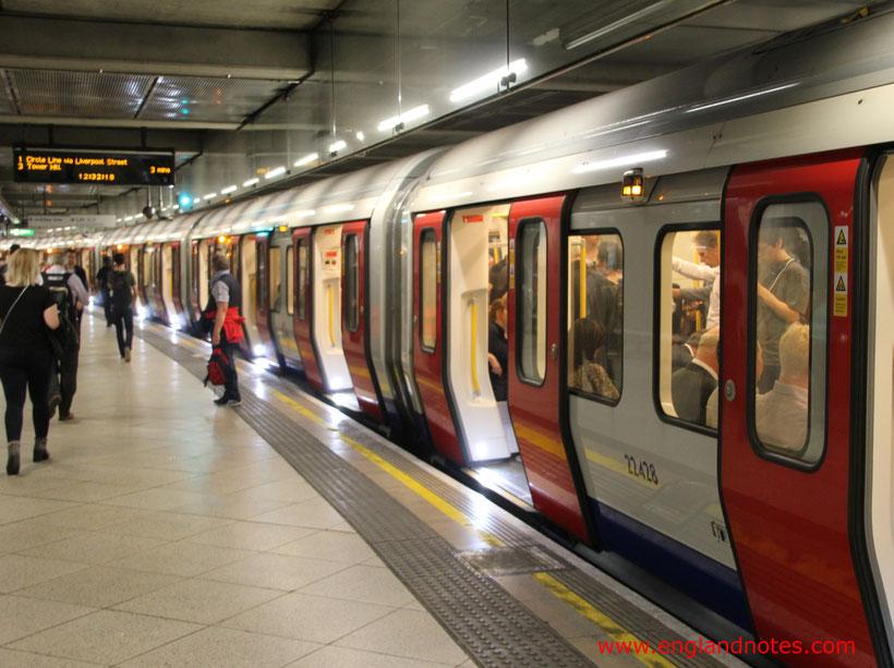 Die wichtigsten Reiseinformationen für London: U-Bahn von London