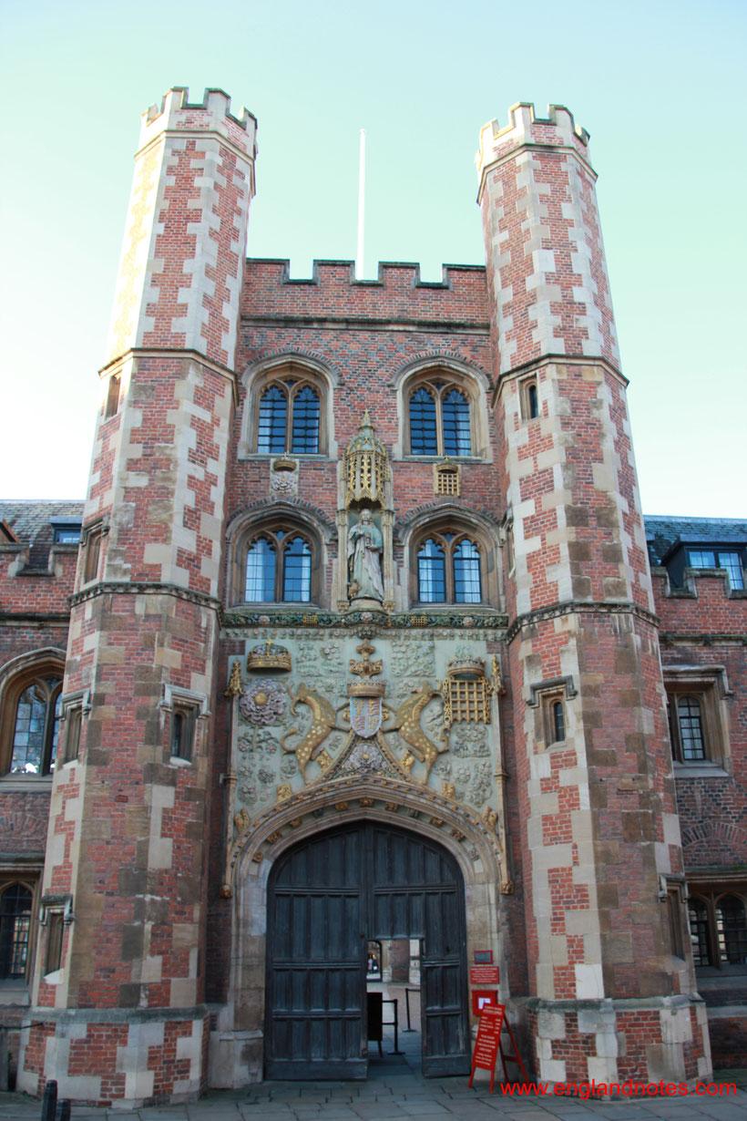 Sehenswürdigkeiten und Reisetipps für Cambridge: Eingang zum St. John's College