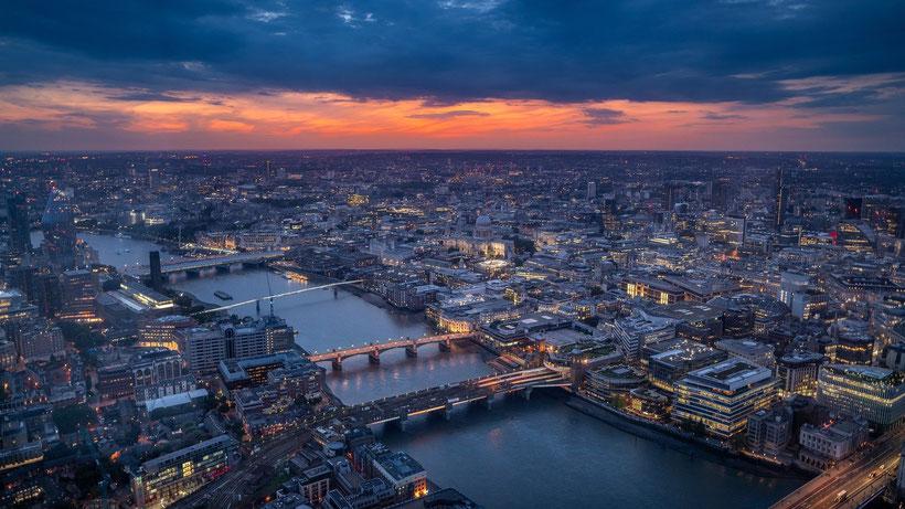 Die besten Reiseberichte über England. Katy Schlegel Glücksorte in London