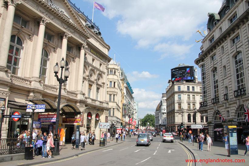15 Dinge, die man im Urlaub in London tun sollte: Besuch des Piccadilly Circus und Leicester Squares