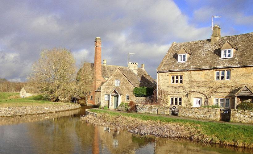 8 traumhafte Reiseziele in Südengland: Blick auf die typischen Häuser in Gloucester in den Cotswolds, England