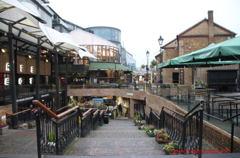 Die 10 besten Flohmärkte in London: Camden Stables Market