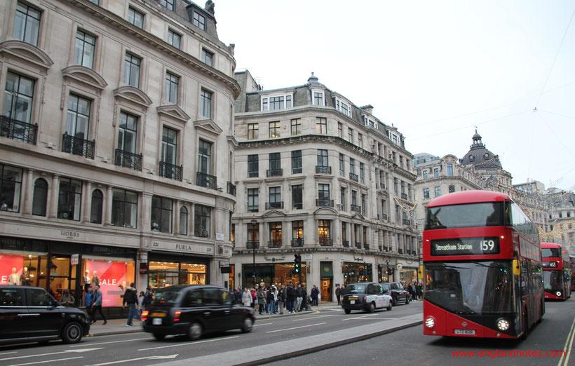 Londons rote Doppeldeckerbusse - die Routemaster: Regent Street.
