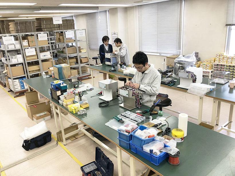医療機器・製造スタッフの職場の様子