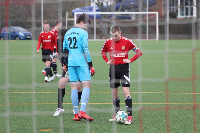 Wie vor fünf Tagen im Punktspiel gegen den HFC, trat Moritz Mona auch im Pokalhalbfinale zum Elfmeter an. Gegen den FCM verwandelte er zum zwischenzeitlichen 1:1.