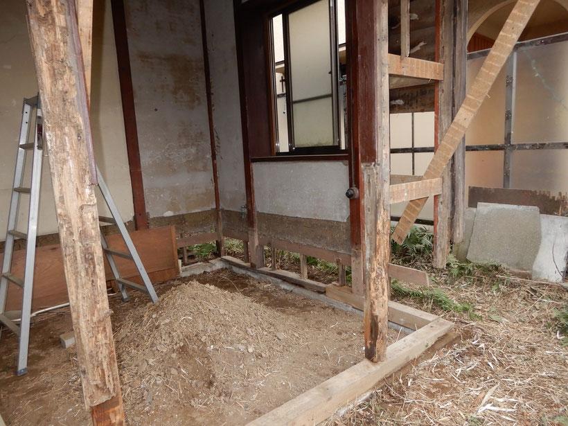 古民家再生 土台と柱 解体