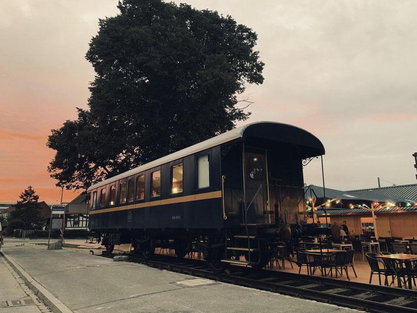 Der WAGI-WAGON steht am 12.9.2019, nach Ende des Stadtfests, an seinem Bestimmungsort bei der Sommerbeiz in Schlieren