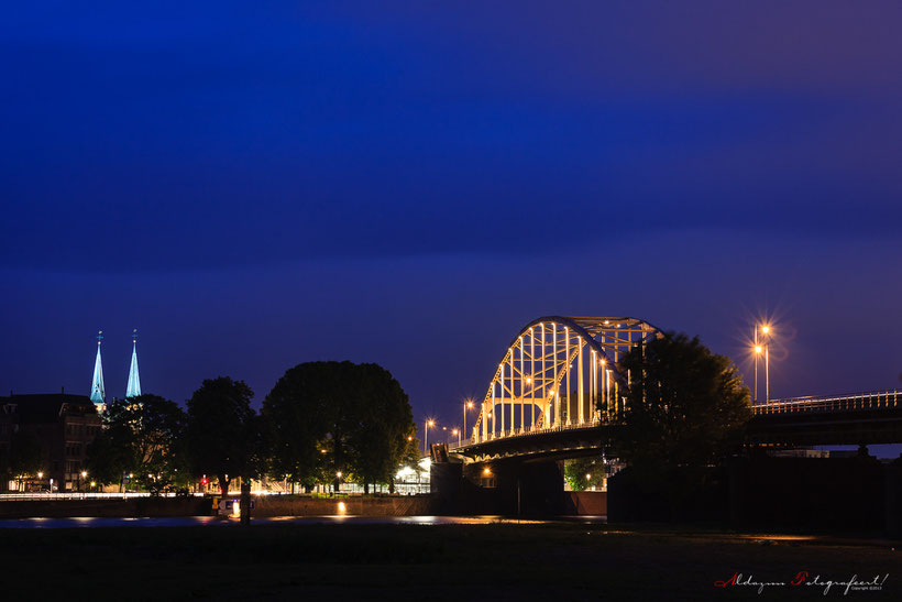 Deventer brug at night