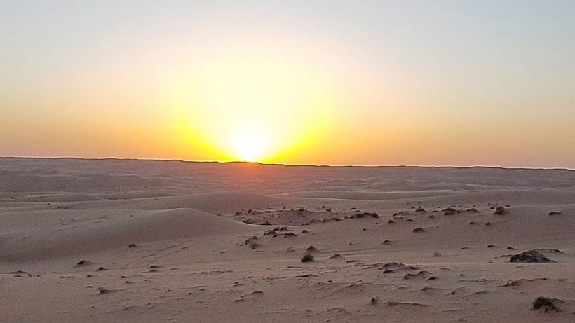 Sonnenuntergang in der Wüste Omans