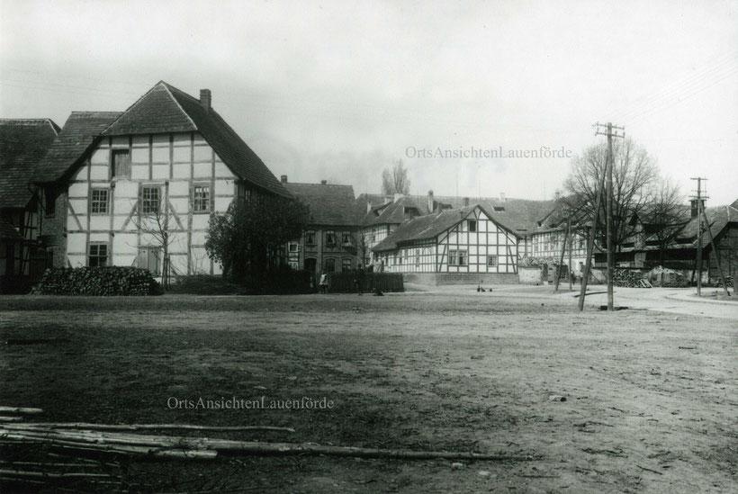 Dorfplatz um 1910