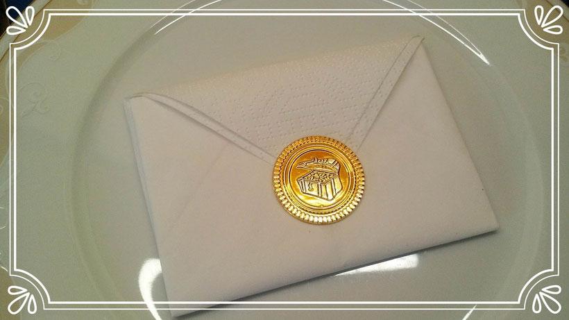 Servietten falten Briefumschlag