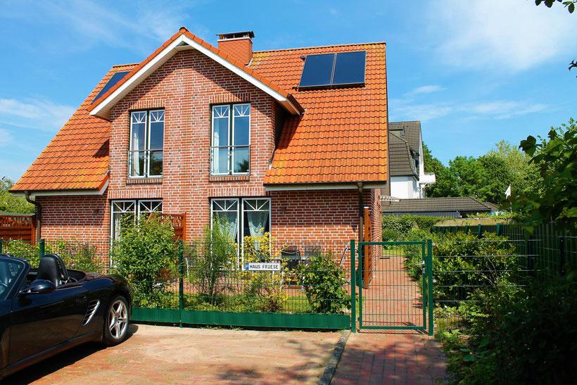 Ferienhaus Friese mit Parkplätzen
