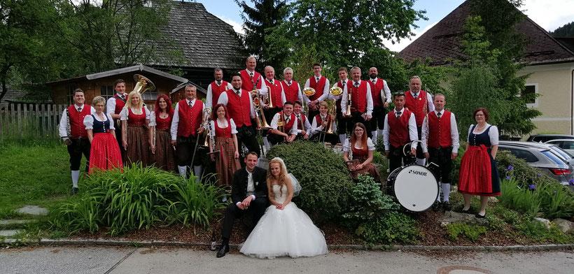 Gruppenfoto mit unserem Brautpaar Martina und Martin Meinhardt