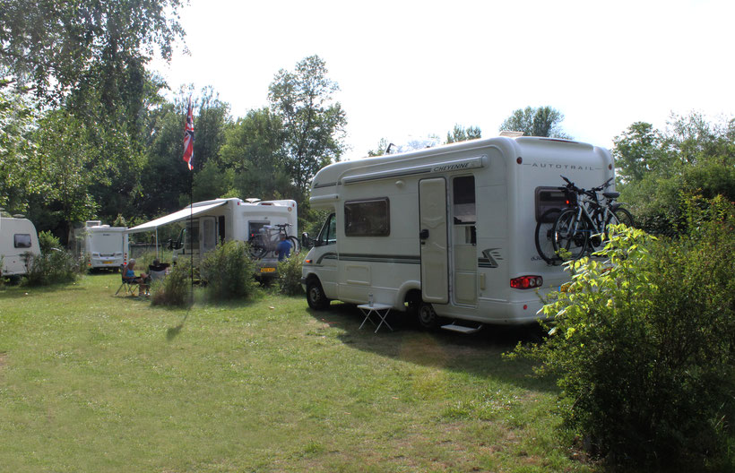 camping-vichy - tente lodge camping confort glamping detente vip hebergement insolite detente amoureux camping croix saint martin vichy abrest