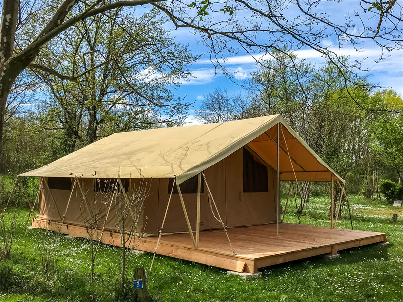 tente lodge camping confort glamping detente vip hebergement insolite detente amoureux camping croix saint martin vichy abrest