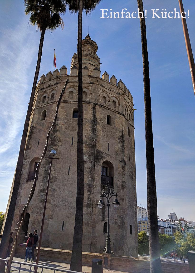 Torre del Oro, der goldene Turm in Sevilla, Andalusien, Spanien