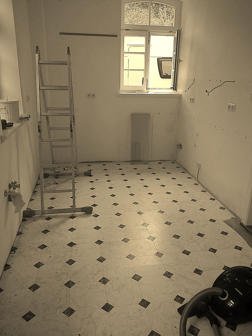 Einfach! Küche! Vorsicht Baustelle - Aufräumen und durchwischen
