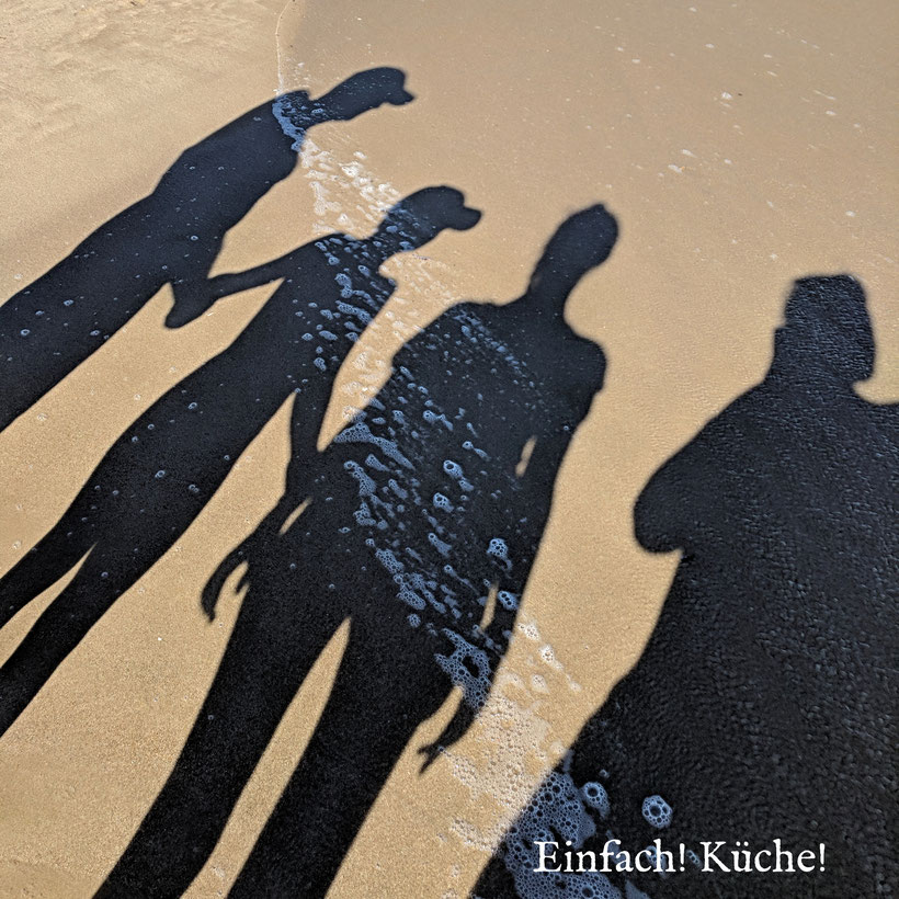 4 Schatten am Strand