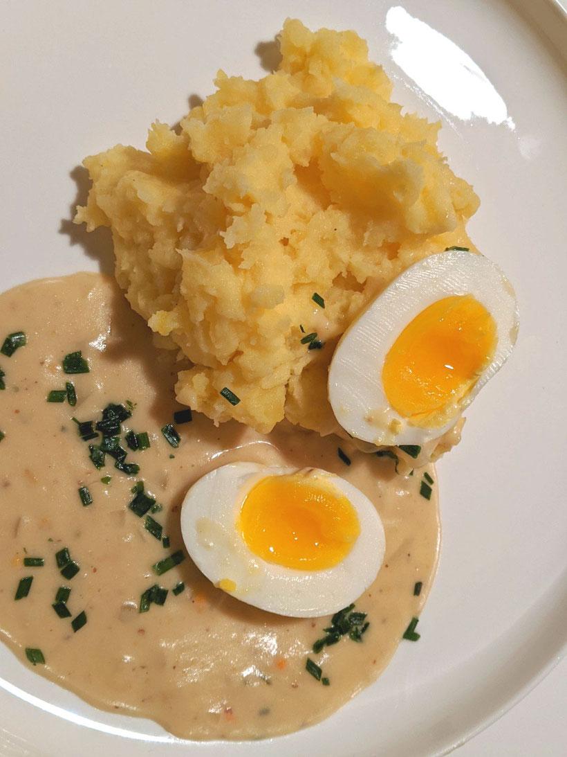 #die Pottkieker - Eier in Senfsauce mit Kartoffelstampf