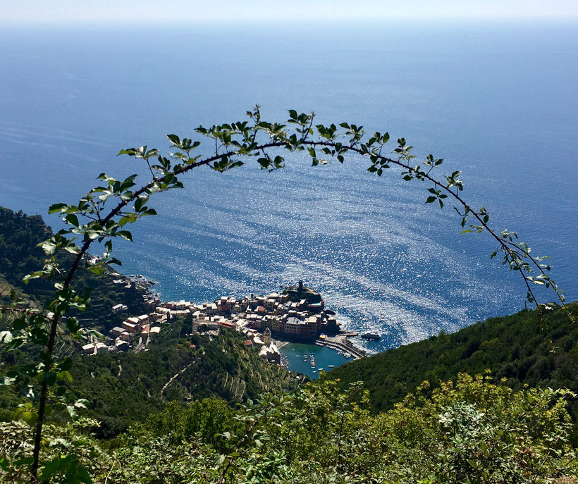 The trail of the sanctuaries, view to Vernazza