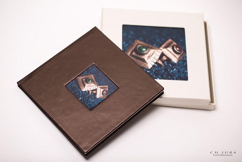 Ihr Wunsch ist Erinnerungen in Form eines Hochwertigen Fotobuches zu verewigen ?  Ob für die Familie - Ihr Lieblingstier oder Ihre Hochzeit, wir machen Ihre Erinnerungen unvergesslich !