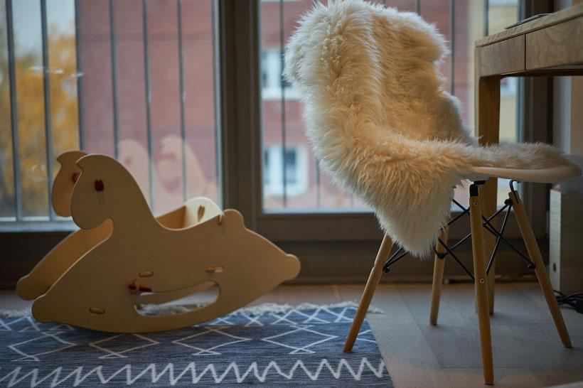 Housetour: Kinderzimmer in blau, Origami und mit vielen Tieren
