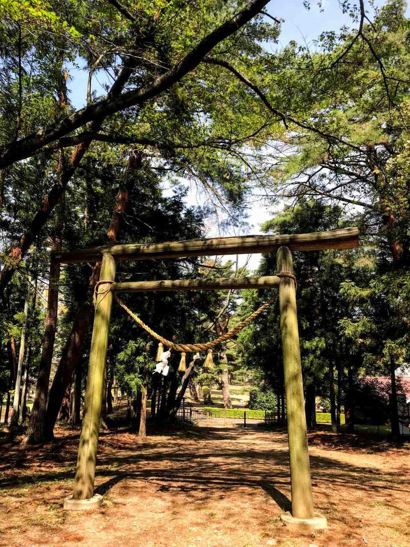 鏡石町 鏡石神社(鳥見山神社)と岩瀬牧場