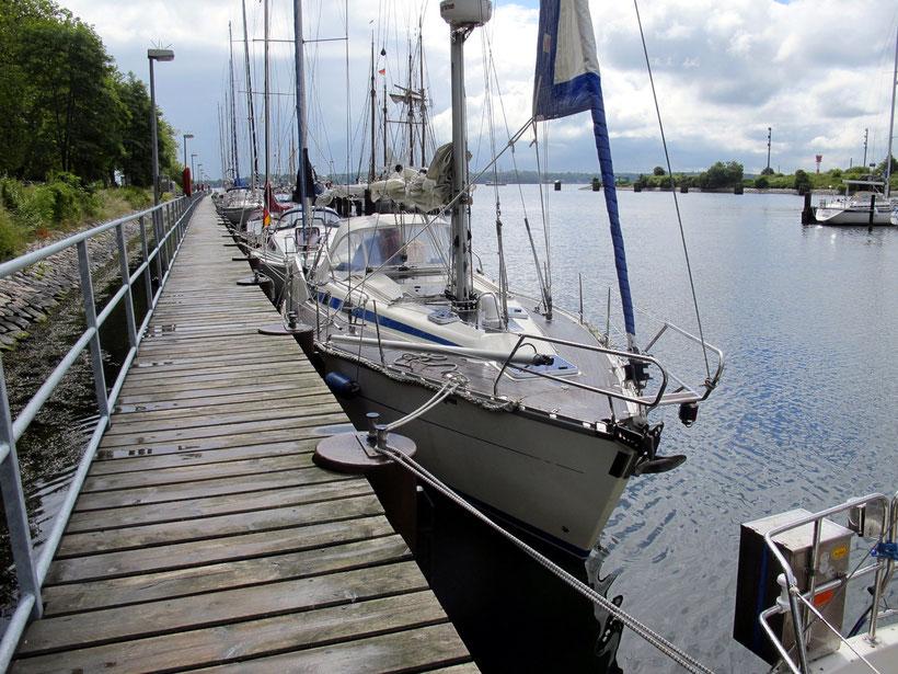 Anlegestelle für Sportboote neben der Schleuse Kiel-Holtenau