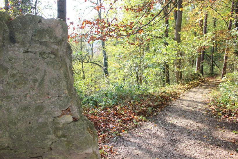 Promenadenweg um die Burg Rabenstein