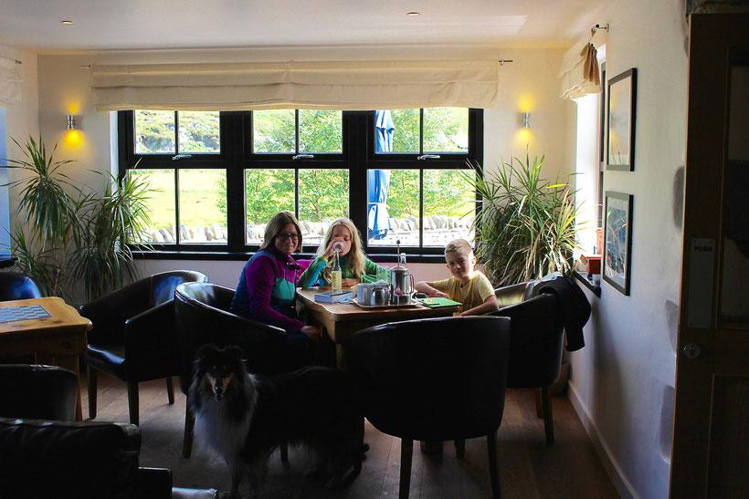 Kaffeepause im Glenuig Inn, Glenuig