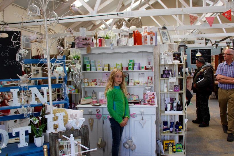 """Farmshop """"Peel Farm"""". Schöner Schnickes nicht nur für kleine Mädels"""