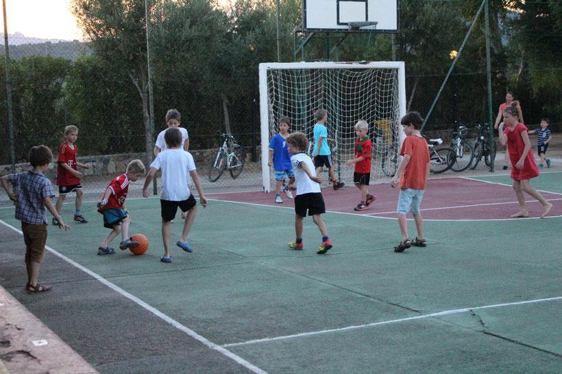 Kicken was das Zeug hält. Camping Capo Ferrato