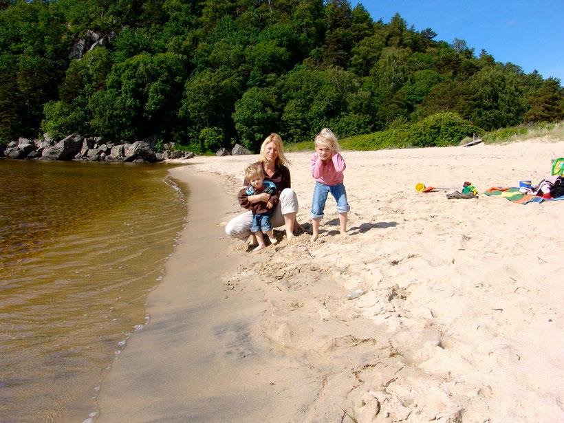 Endlich wieder Sonne. Wir nutzen das gleich für ein Picknick am Strand.